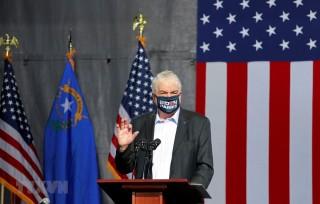 Thống đốc bang Nevada mắc COVID-19, Canada tăng cường chống dịch