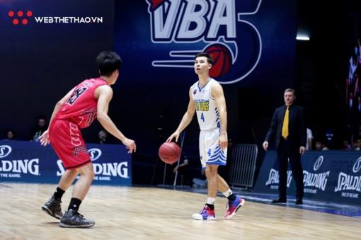Rượt đuổi tỉ số hấp dẫn, Thang Long Warriors giành vé Playoffs sớm