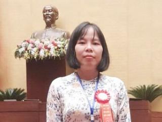 Vinh danh giáo viên tiêu biểu Bùi Thị Ngọc Tuyển