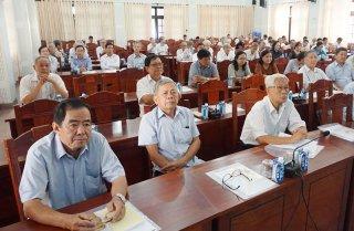 Triển khai, quán triệt Nghị quyết Đại hội XI Đảng bộ tỉnh cho các đồng chí nguyên lãnh đạo Đảng, Nhà nước