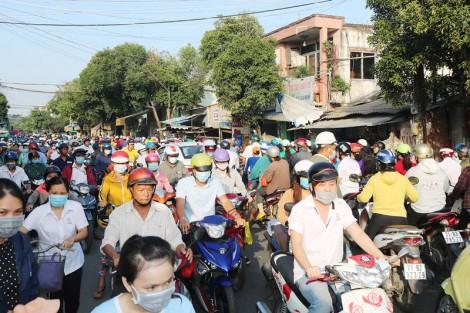 Kẹt xe gần 1km trên đường Nguyễn Đình Chiểu