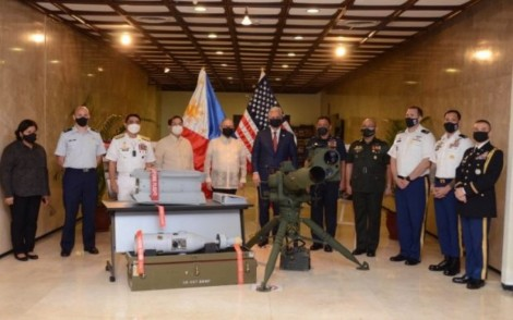 Mỹ ủng hộ Philippines ở Biển Đông và tài trợ cho Philippines vũ khí chống khủng bố