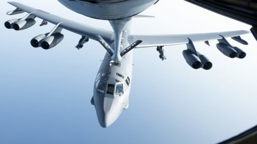 Mỹ triển khai máy bay ném bom hạng nặng B-52 đến Trung Đông