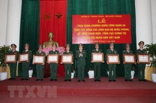 Trao Huân chương Quân công hạng Ba tặng lãnh đạo Bộ Quốc phòng