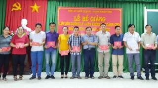 54 học viên hoàn thành lớp bồi dưỡng lý luận chính trị cho đảng viên mới