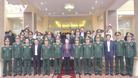 Chủ tịch Quốc hội thăm và làm việc với Quân khu 4