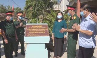 Phó bí thư Thường trực Tỉnh ủy dự lễ khánh thành đường tại huyện Ba Tri