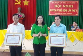 Mỏ Cày Bắc tổ chức hội nghị Huyện ủy mở rộng lần thứ 4