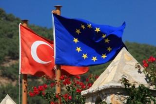 EU để ngỏ các biện pháp trừng phạt nhằm vào Thổ Nhĩ Kỳ
