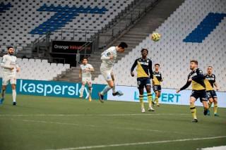 Marseille phả hơi nóng vào gáy PSG