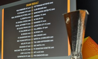 Manchester United và Arsenal gặp khó ở vòng 1/16 Europa League