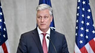 Cố vấn an ninh Mỹ rút ngắn chuyến thăm châu Âu vì nhiều cơ quan chính phủ bị tấn công mạng
