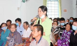 Tiếp xúc, đối thoại trực tiếp với người dân thuê đất trong khu vực Lạc Địa