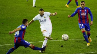 Benzema rực sáng, Real bắt kịp Atletico