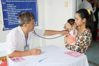 Tiêm vắc-xin bại liệt IPV góp phần duy trì miễn dịch cộng đồng