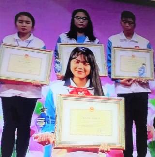 Nguyễn Châu Phương Trinh học sinh xuất sắc trong học tập và làm theo gương Bác năm 2020