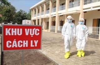 Việt Nam thêm 10 ca mắc COVID-19, được cách ly sau nhập cảnh