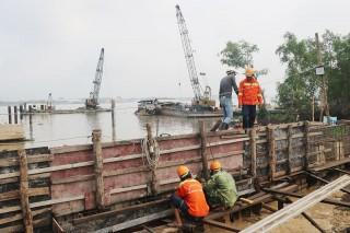 Khẩn trương xây dựng Bến phà Rạch Miễu tạm