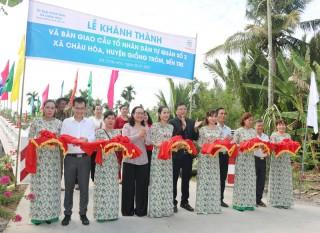 Bàn giao 8 công trình an sinh xã hội cho xã Châu Hòa, huyện Giồng Trôm
