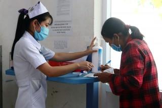 1 công dân trở về nước có kết quả xét nghiệm dương tính với vi-rút SARS-CoV-2