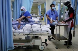 Hệ thống y tế Malaysia đối mặt nguy cơ quá tải do số ca mắc COVID-19 tăng cao