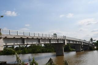 Khẩn trương hoàn chỉnh các hạng mục xây dựng cầu Trường Thịnh