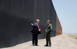 Những ngày cuối nhiệm kỳ, Tổng thống Trump đến thăm tường biên giới