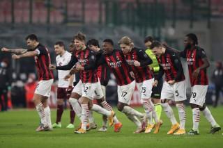 Ibrahimovic đá chính, Milan nhọc nhằn vào tứ kết Coppa Italia