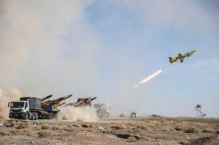 Iran thử nghiệm tên lửa đạn đạo và máy bay không người lái
