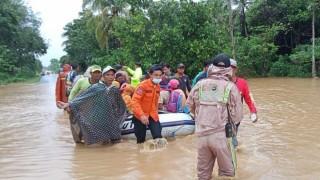 Lũ lụt nghiêm trọng ở Indonesia nhấn chìm hơn 6.300 ngôi nhà
