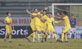Nam Định vùi dập Hà Nội trận mở màn V-League 2021