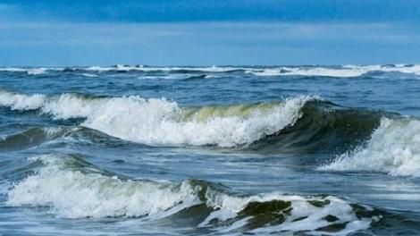 Chủ động ứng phó với gió mạnh trên biển kết hợp triều cường có nguy cơ gây sạt lở