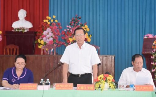 Bí thư Tỉnh ủy Phan Văn Mãi làm việc với Đảng ủy xã Bình Khánh