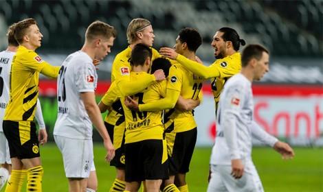 Haaland tỏa sáng cũng không cứu được Dortmund