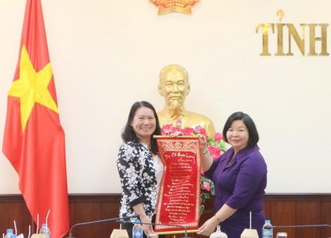 Lãnh đạo tỉnh tiếp và làm việc với đoàn công tác tỉnh Bạc Liêu