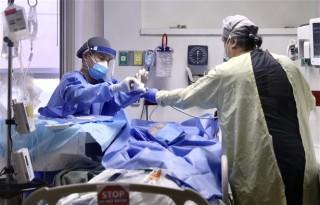 Sưu tầm - Mỹ mua thêm 200 triệu liều vaccine; Pháp kỷ lục người nhập viện