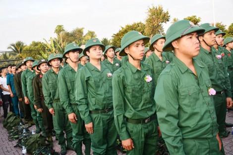 Ðảm bảo quốc phòng, an ninh, xây dựng lực lượng vũ trang vững mạnh, toàn diện