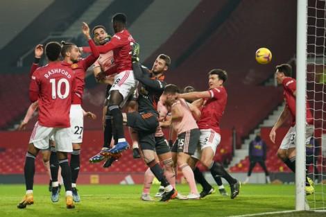 Thua đội cuối bảng, MU nguy cơ bị Man City bỏ xa