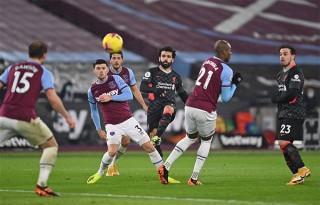 Salah ghi bàn trở lại đưa Liverpool lên thứ 3