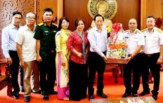 Phó chủ tịch Thường trực UBND tỉnh Nguyễn Trúc Sơn thăm, chúc Tết Bộ Tư lệnh Vùng 2 Hải quân