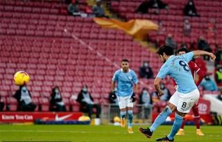 Đánh sập Anfield, Man City bỏ xa Liverpool 10 điểm