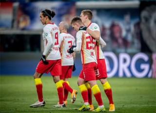 RB Leipzig bám sát ngôi đầu của Bayern
