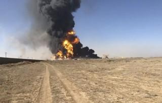 Cháy nhiều tàu chở dầu ở cảng biên giới Afghanistan - Iran