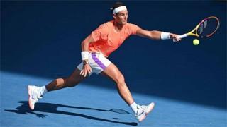 Nadal vào tứ kết Australian Open lần thứ 13