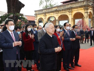 Tổng Bí thư, Chủ tịch nước dâng hương tại Hoàng Thành Thăng Long