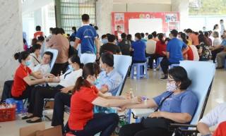 Hướng đến vận động hiến máu tình nguyện 2021