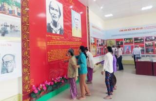 Du khách tham quan các di tích văn hóa, lịch sử dịp Tết Nguyên đán Tân Sửu 2021