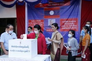 Người dân Lào đi bỏ phiếu bầu đại biểu Quốc hội khóa IX
