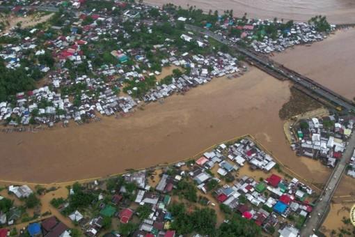Philippines sơ tán 5.000 người để tránh bão Dujuan