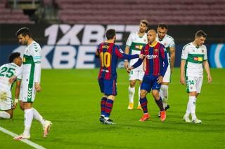 Messi lập cú đúp, Barca trở lại Top 3